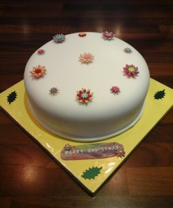 Christmas Flowers Cake Large