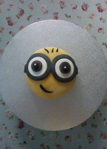 Minion Cake Bob