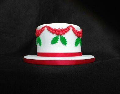 Christmas Garland Cake with Holly