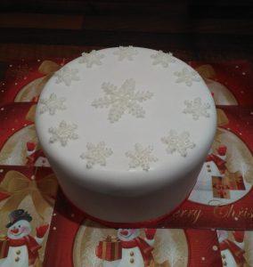Christmas Snowdrop Cake